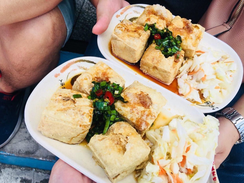 宇老觀景台臭豆腐記得加點辣醬
