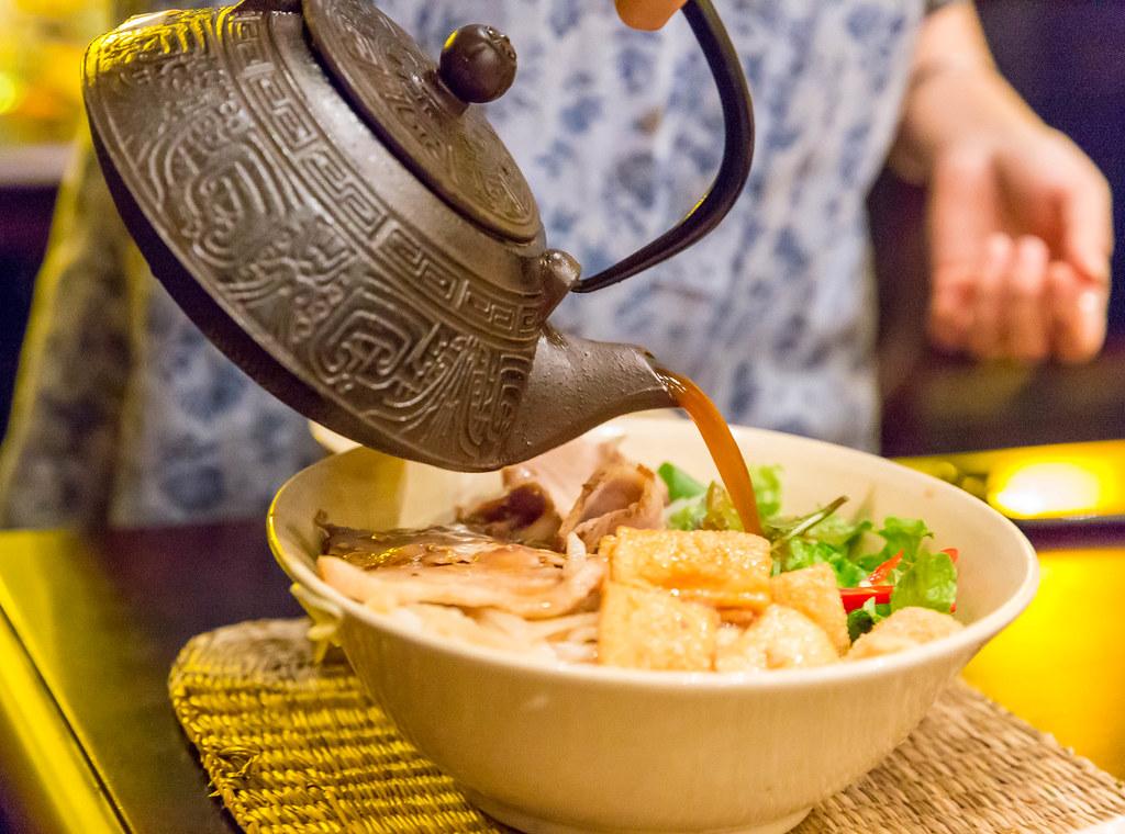 ▲ 湯底是火鍋的靈魂,一鍋火鍋本身食材優,就算是清湯白水也能煮出好滋味。