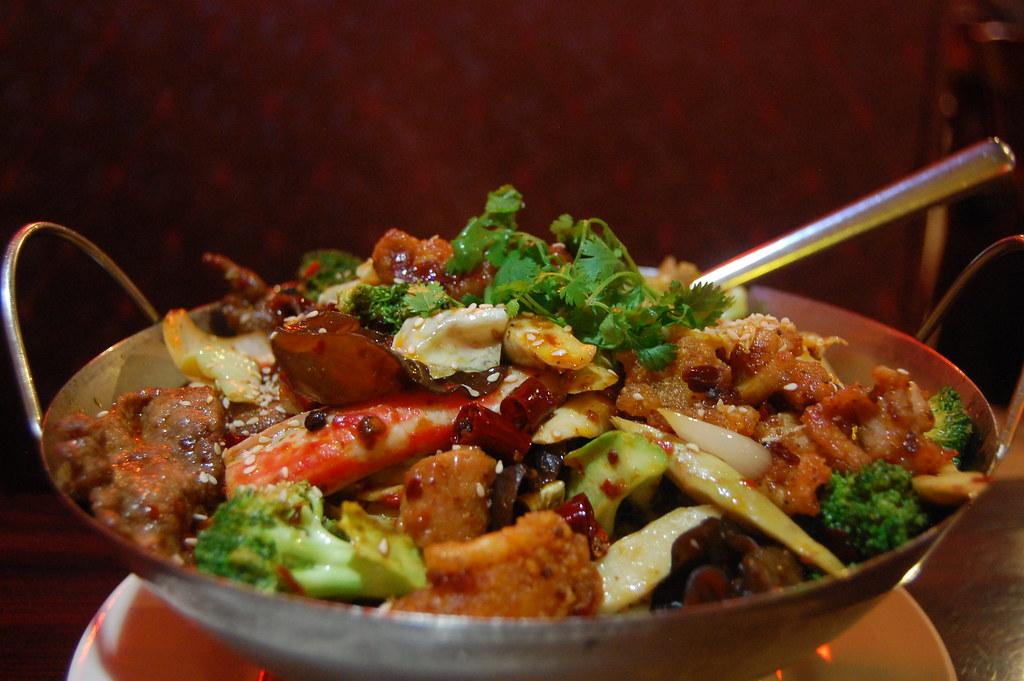 ▲ 湯底加入一些調味料更能增加湯頭的層次。