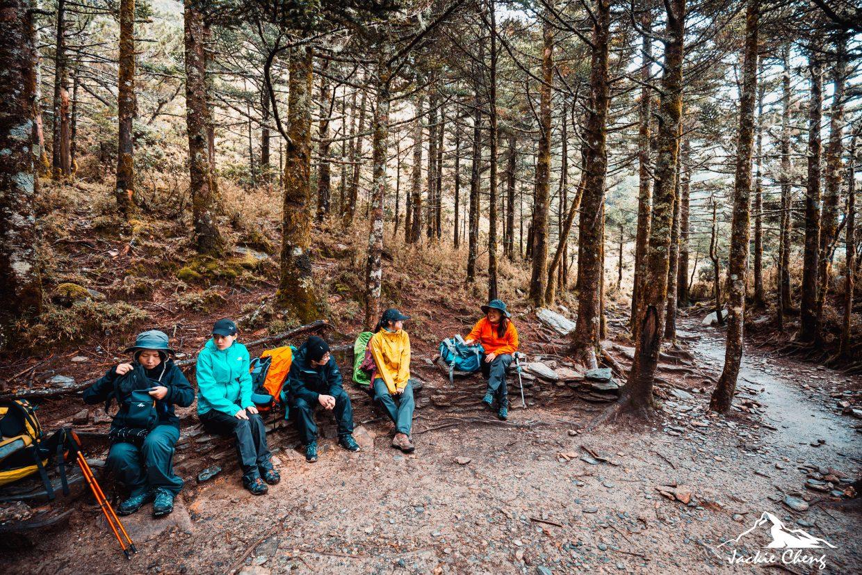 「黑水塘營地」是早期山友們沒抽到山屋時露營的地點