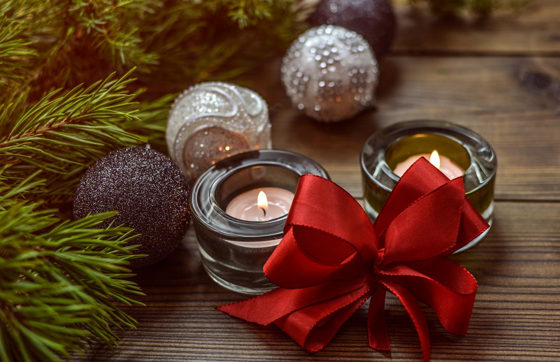 ▲ 用各種聖誕裝飾品來營造應景氣氛吧!