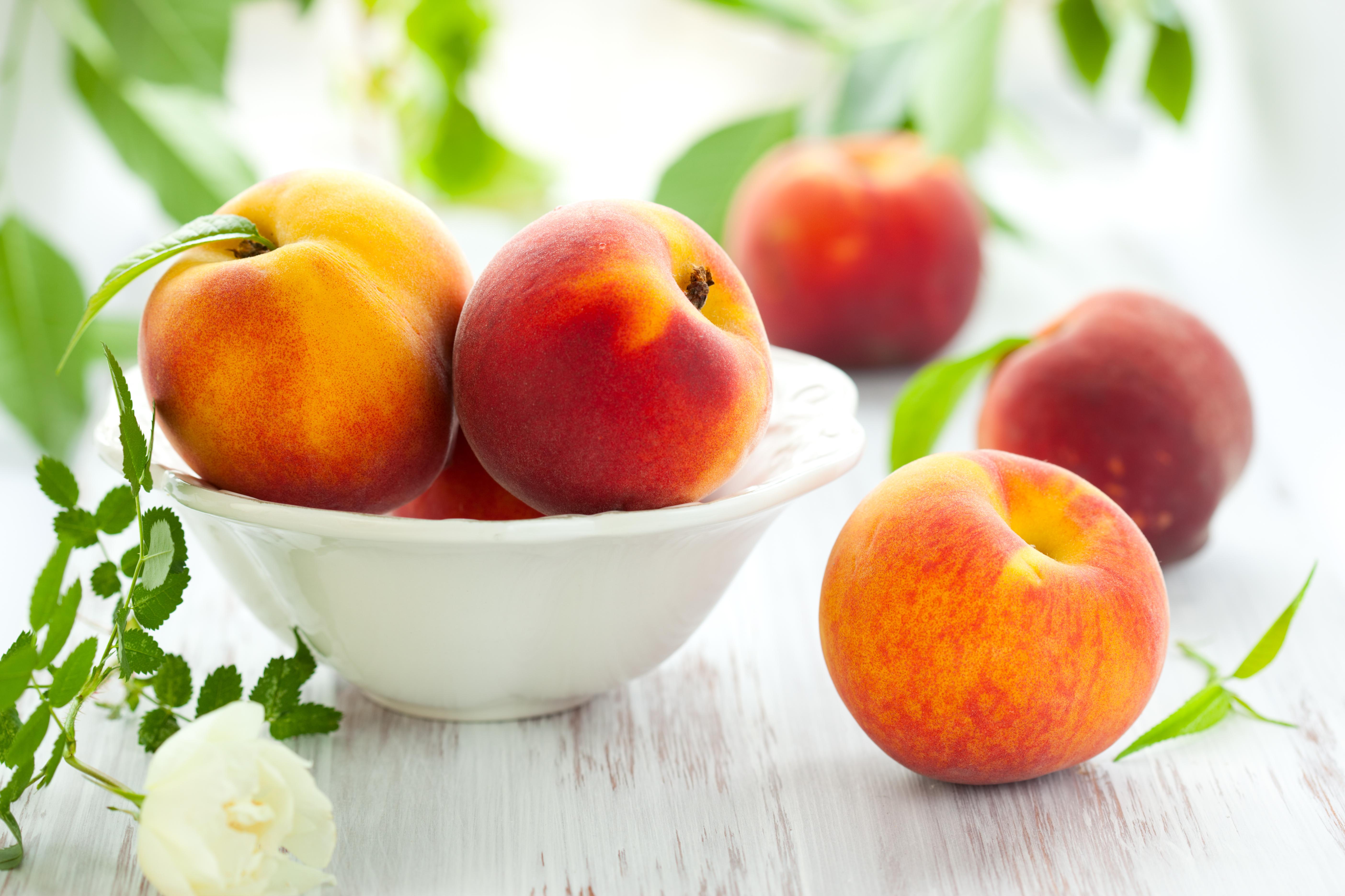 Bowl,Of,Fresh,Peaches