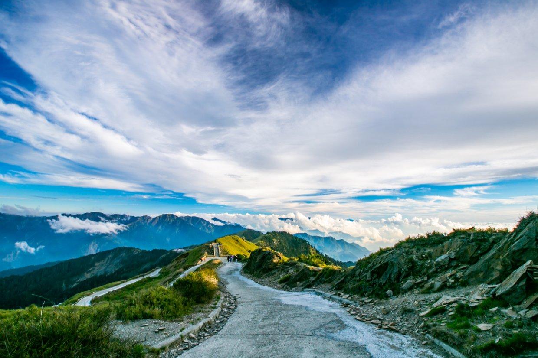 ▲許多山友也會選擇到合歡山欣賞日出。(圖/Shutterstock)