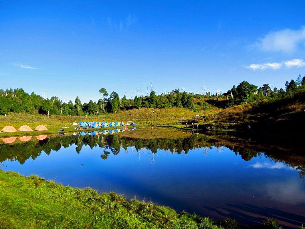 ▲加羅湖的美景可以陪伴山友跨年。(圖/Shutterstock)