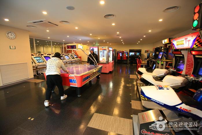 韓國橡樹谷滑雪場娛樂室