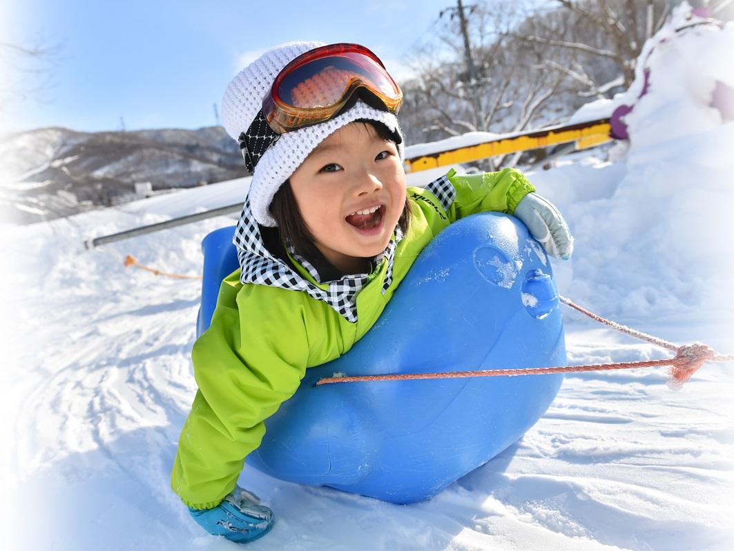 關東苗場滑雪。