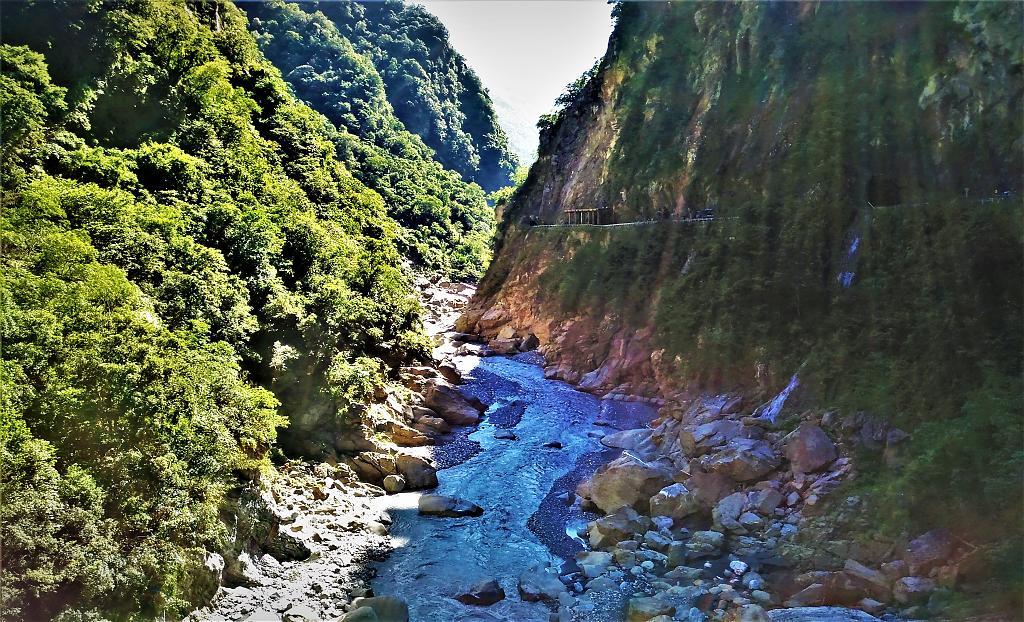 夏日消暑活動10路線!暑假登山乘涼×玩水景點推薦