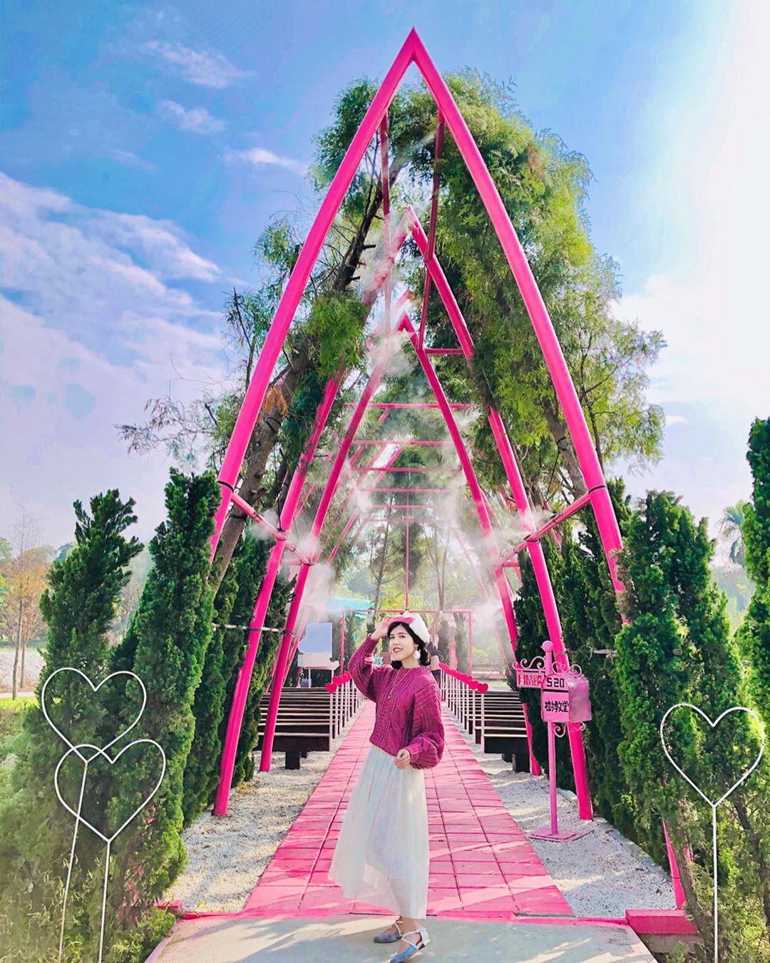 古坑珍‧粉紅城堡 水漾森林敎堂@ Hello Chen