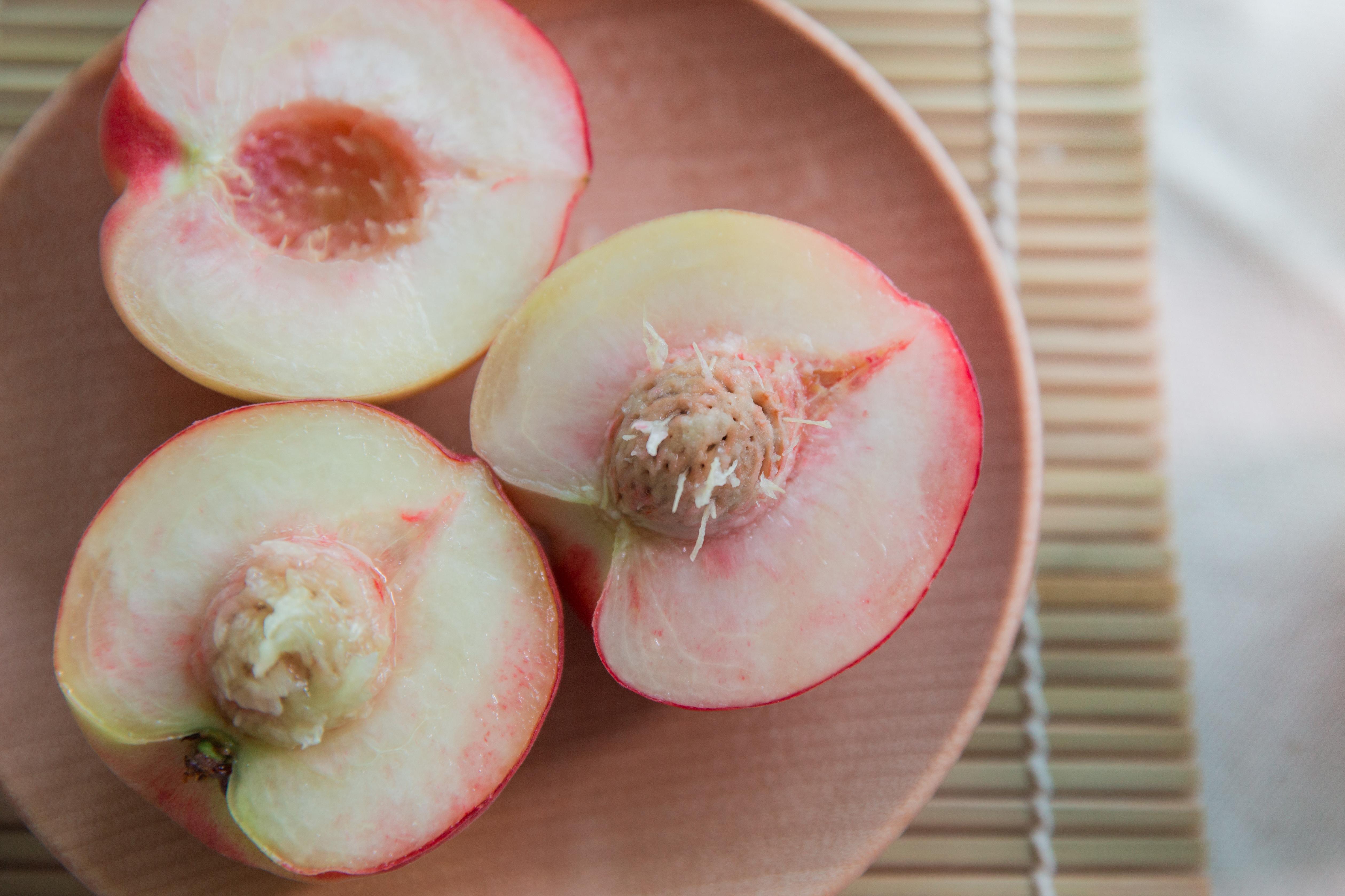 水蜜桃百百種,這樣選最好吃!一篇帶你看桃子品種大解析