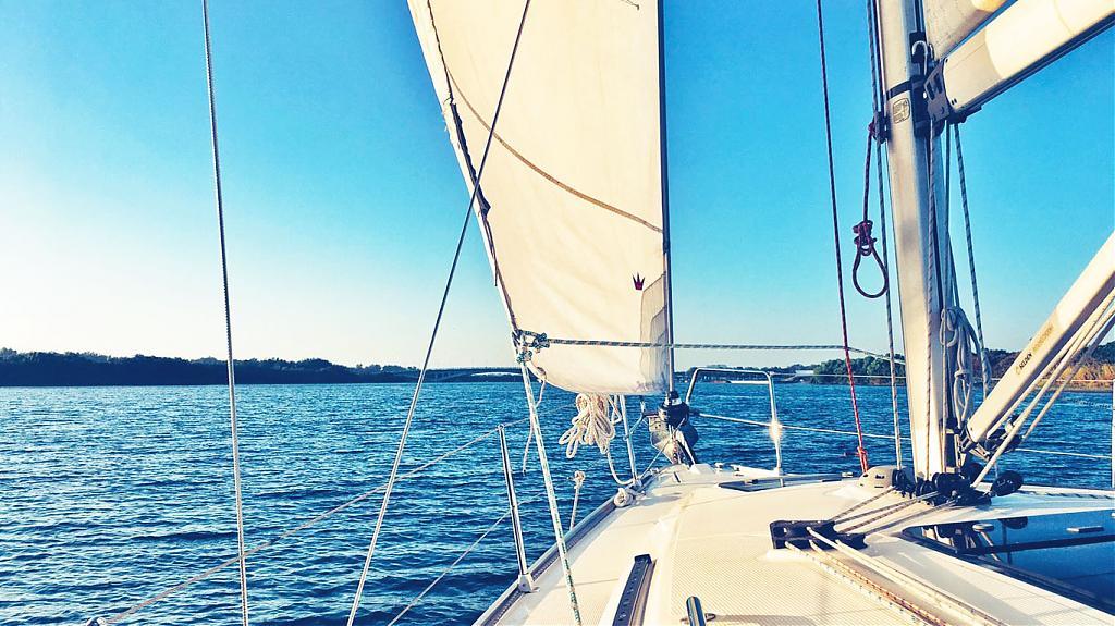 在台灣也能搭乘帆船出遊去!夏季出遊就要掌舵開帆船體驗