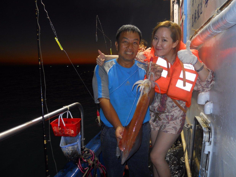 走吧!跟著船長出海玩一波!大人小孩都能變身最強漁夫海釣去
