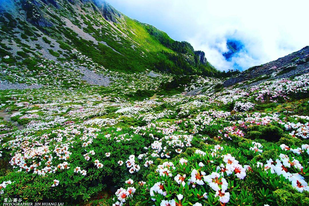 台灣大小百岳必看5大奇景|雪山圈谷、石瀑、雲海、聖稜線盡收眼底