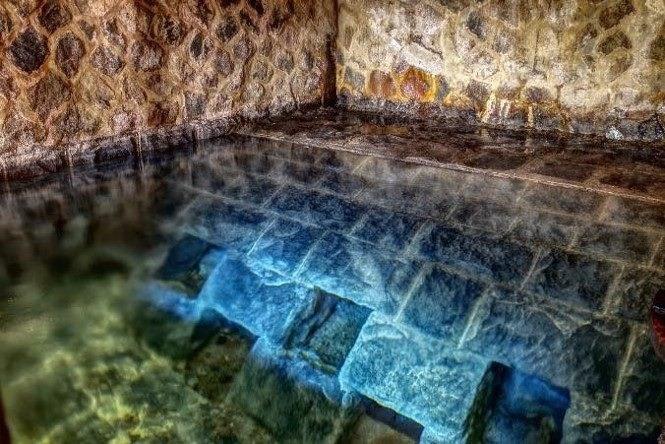 亞洲第一湧泉!陽明山「藍寶石泉」絕美湛藍湧泉首次開放!