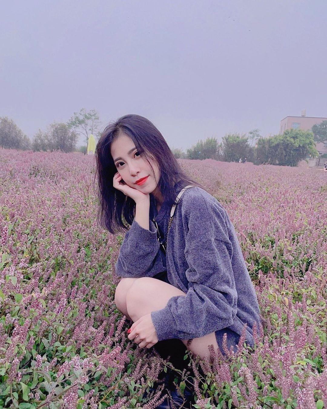 粉紫花海與紫衣女孩 @yulihsu 0209