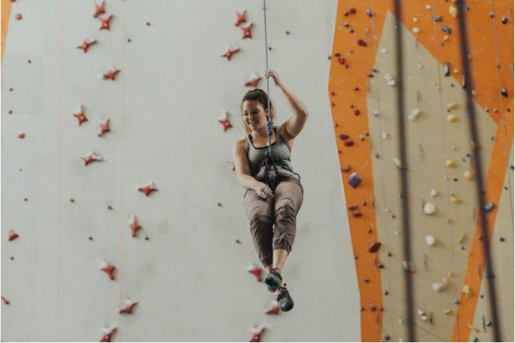 新年新願景 挑戰自我的室內輕旅行:室內抱石、室內攀岩