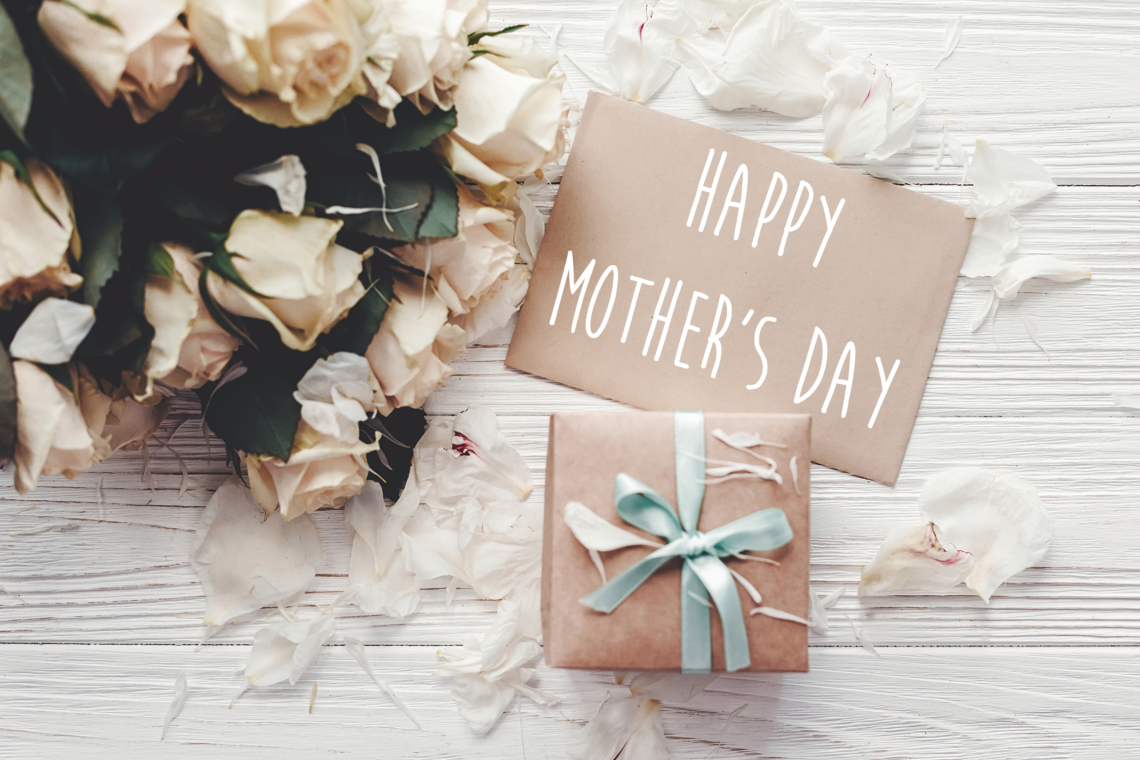 Happy,Mother's,Day,Text,Sign,On,Craft,Greeting,Card,And