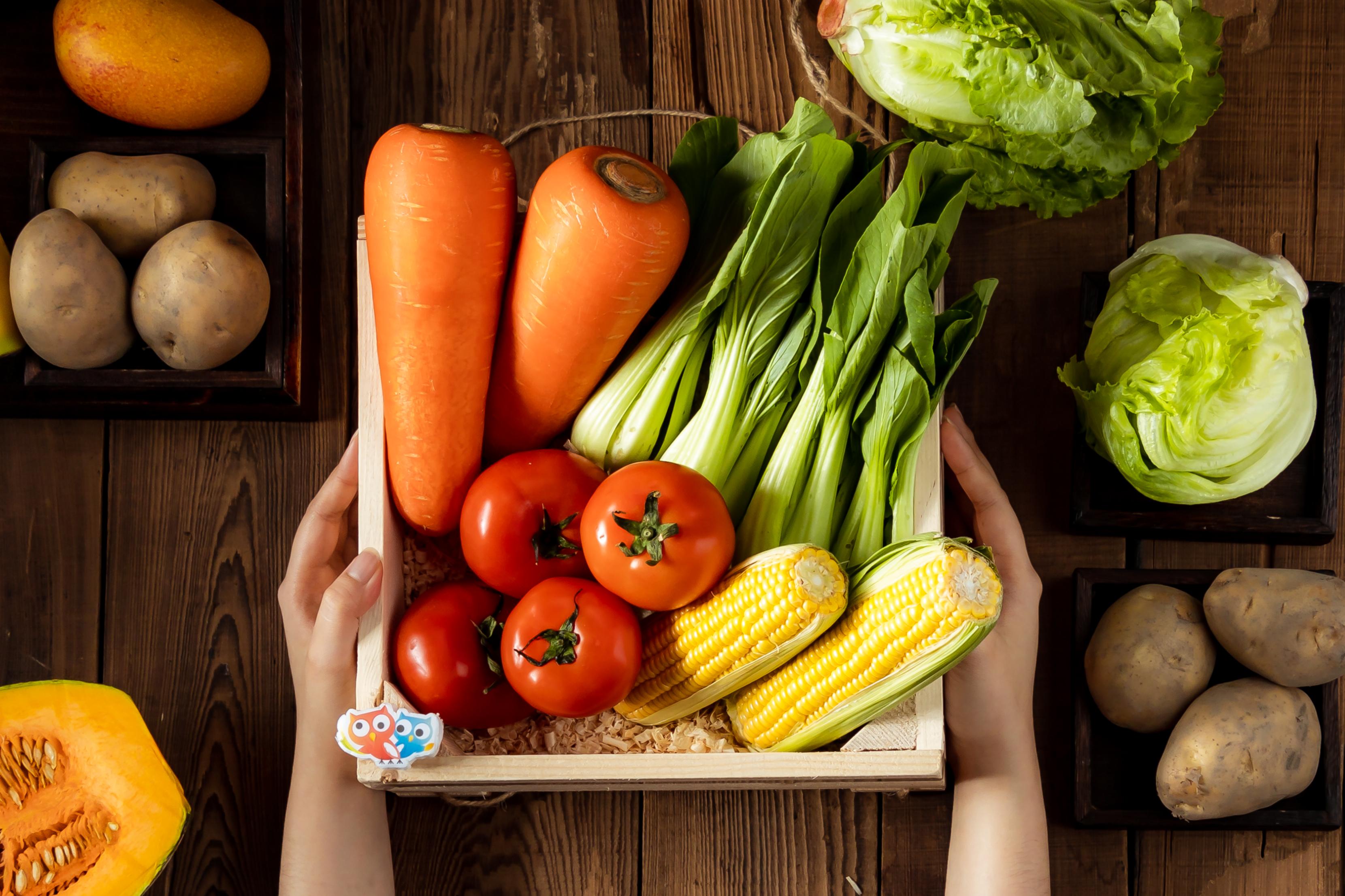 【圖一】本土疫情升溫帶動搶購潮,奧丁丁市集推出防疫專區,逾百項食材提供民眾居家安心防疫