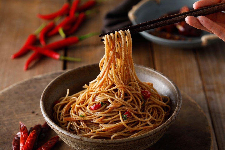 可以方便快煮的拌麵及米粉,是颱風天取代泡麵的熱門選擇。