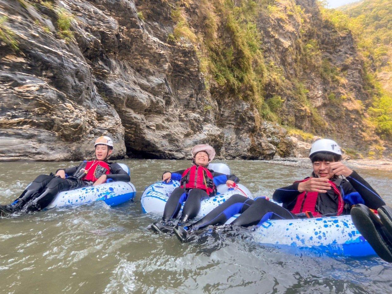 暑假玩水趣!3個必玩天然漂漂河體驗 來場刺激的奇幻漂流探險吧!