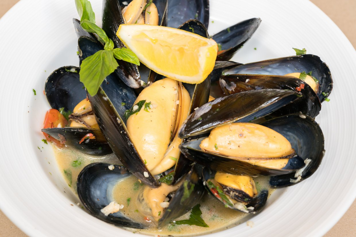 Moules,Marinieres, ,Mussels,Cooked,With,White,Wine,Sauce