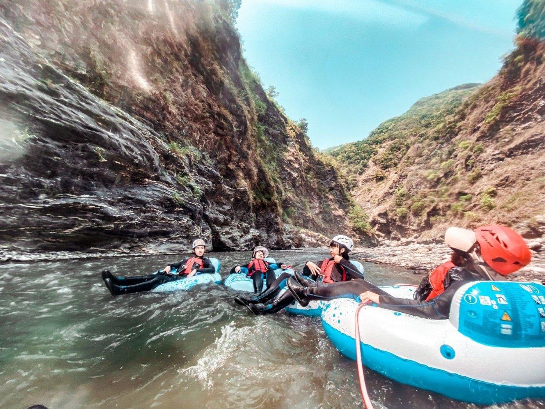【圖十六】自然生態 野溪溫泉漂漂河 山谷間體驗刺激冒險