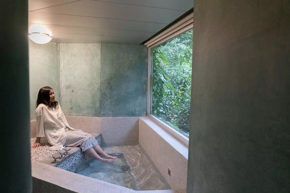 在山林間洗澡,真的是很特別又放鬆的體驗~